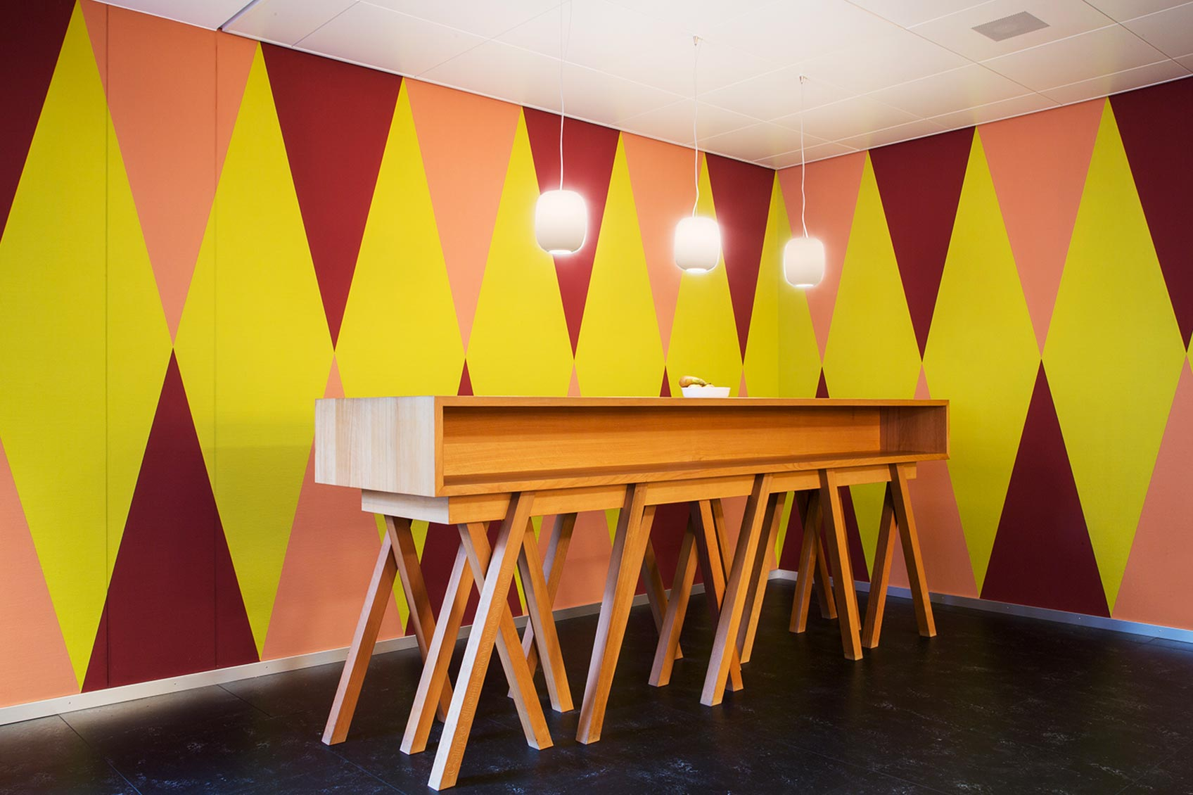 complementary color scheme in interior design process