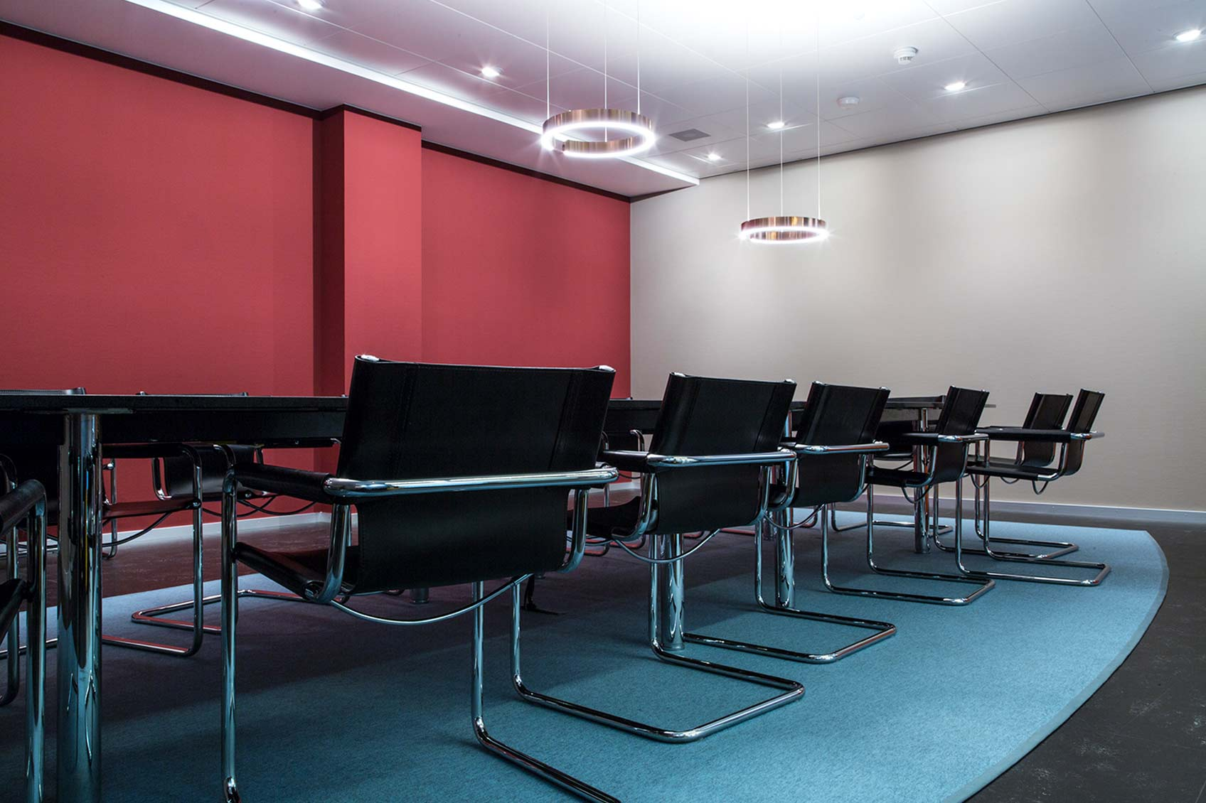 Colour design large meeting room ©Hannah Grüninger