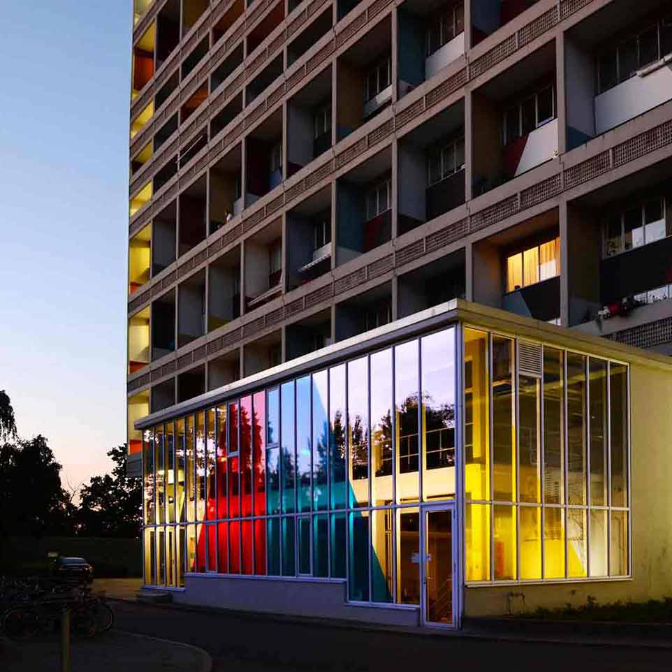 Journalartikel > The Colours of the Collective – Farbanwendung im kollektiven Wohnungsbau